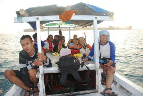 Menyeberang menuju Pulau Semak Daun dan Pulau Kotok