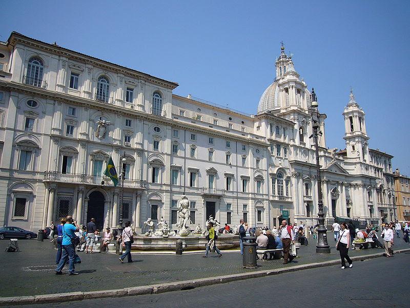 File:Parione - piazza Navona - s Agnese in Agone e palazzo Pamphilij 1020584.JPG
