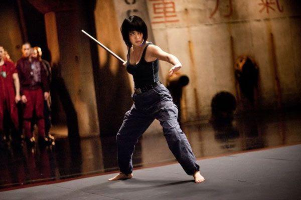 Mako Mori shows off her Kendo skills in PACIFIC RIM.