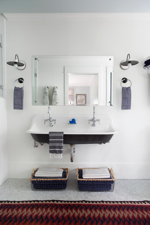 Small Bathroom Ideas on a Budget | HGTV