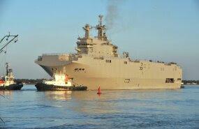 Mistral klassi dessantlaev teeb esimest sõitu