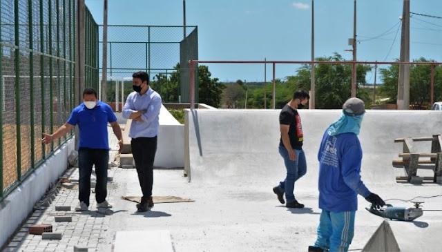 Guamaré: Prefeito Eudes Miranda visitou obras em andamento em sua gestão