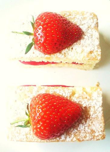 Two Little Lemon&Strawberry Cakes