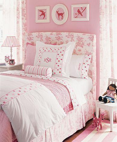 Little Girl's Pink Room - Traditional - girl's room