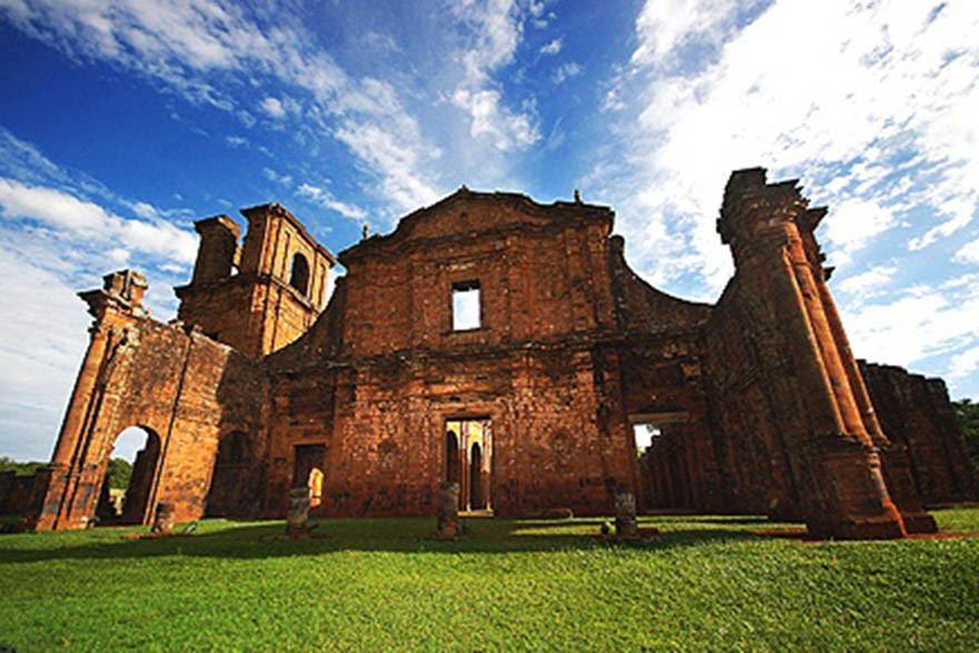 Ruínas da Igreja de São Miguel em São Miguel das Missões (RS)