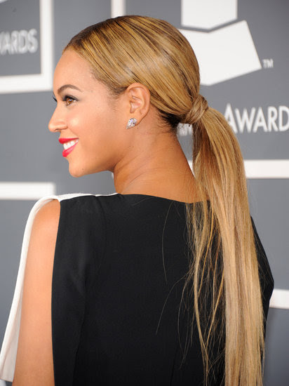 Beyoncé sleek ponytail at the Grammy's 2013