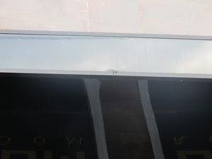 Tiro atingiu parte superior da casa noturno (Foto: Guilherme Lucio/G1)