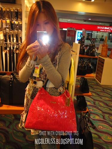 pink bonia bag