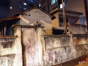 Mulher de 61 anos afirmou que foi estuprada por vizinho em Santos (Foto: Guilherme Lucio da Rocha/G1)