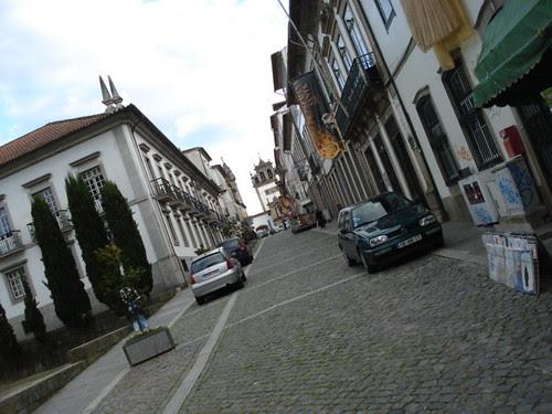 Ruas calmas e bem cuidadas - Braga