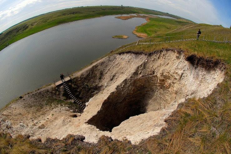 A maior caverna subaquática da Rússia 14