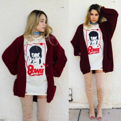 Keep cozy all fall/winter long in our super oversized slouchy cardigan! Great for layering! http://sameoldchic.bigcartel.com/product/slouchy-red-cardigan