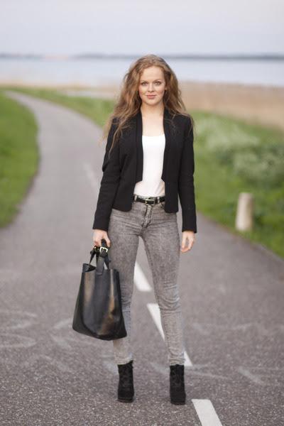 Heather-gray-h-m-jeans-black-zara-blazer-black-zara-bag-black-belt_400