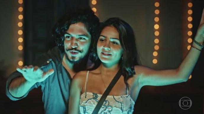 Aproximação de Olívia e Miguel tira Bento do sério (Foto: TV Globo)