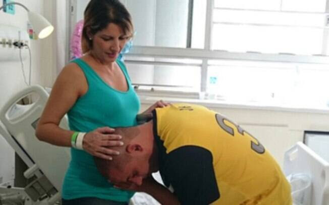 Com sete meses de gestação, Karina Barreira teve cinco filhos: um menino e quatro meninas