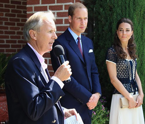 Royal snail  Kate races ahead with her painting at Inner-City Arts  campus whilst William is slow off the mark  18