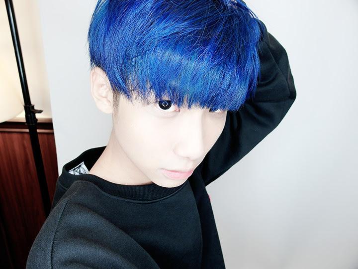 typicalben having blue coloured hair