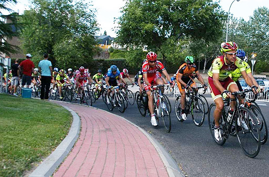 La XII Carrera Ciclista Trofeo del Carmen se disputará a dos mangas en la mañana del domingo 19 de julio. (© Foto: Club Ciclista Vallecano)