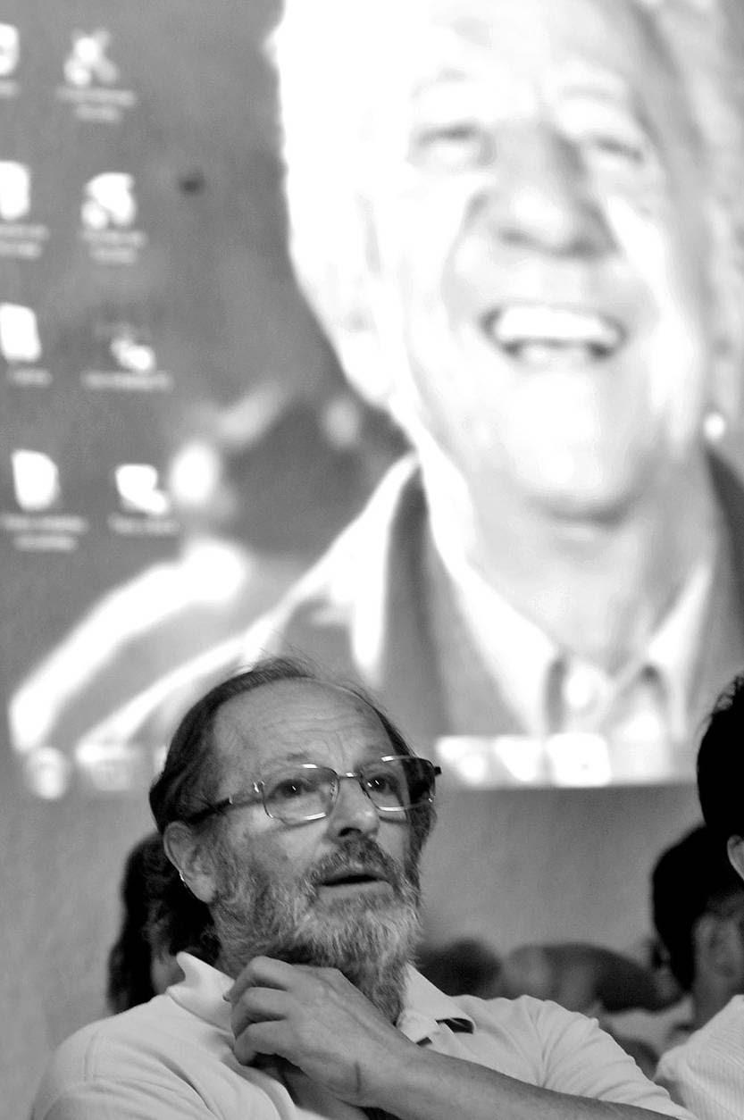 Daniel Olesker en el acto de la lista 4 Propuesta Socialista, ayer en la Casa del Pueblo. Foto: Federico Gutiérrez