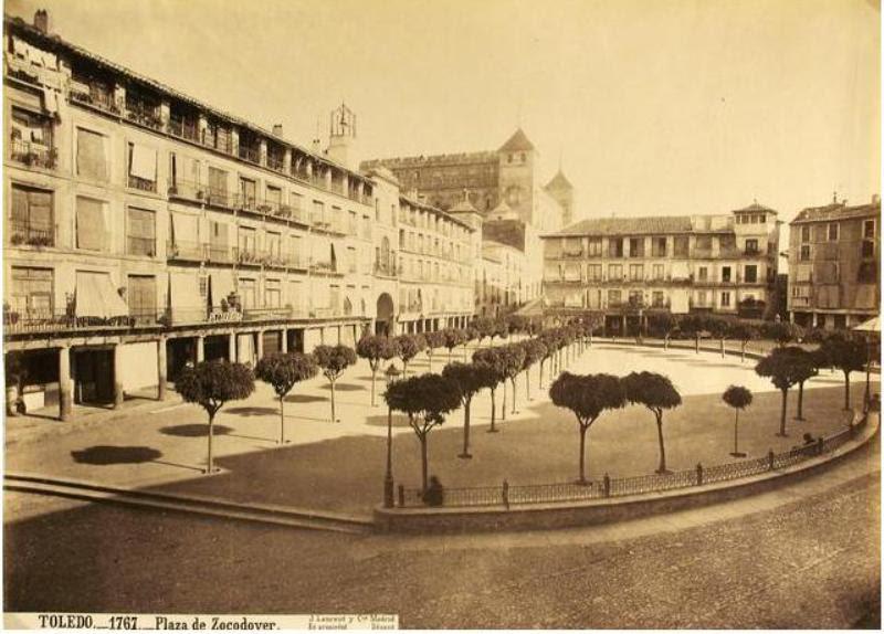 Plaza de Zocodover hacia 1870. Fotografía de Jean Laurent