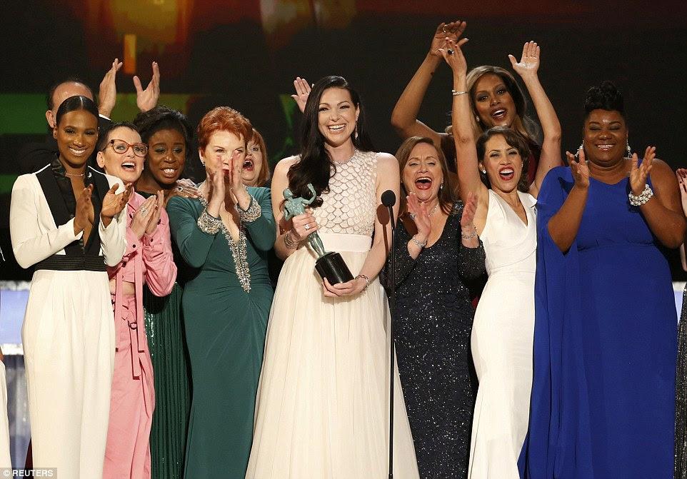 """'Este é diversidade """": O elenco de laranja é o preto novo levou para casa o prêmio SAG de Melhor Série de Comédia Ensemble, pelo segundo ano consecutivo"""