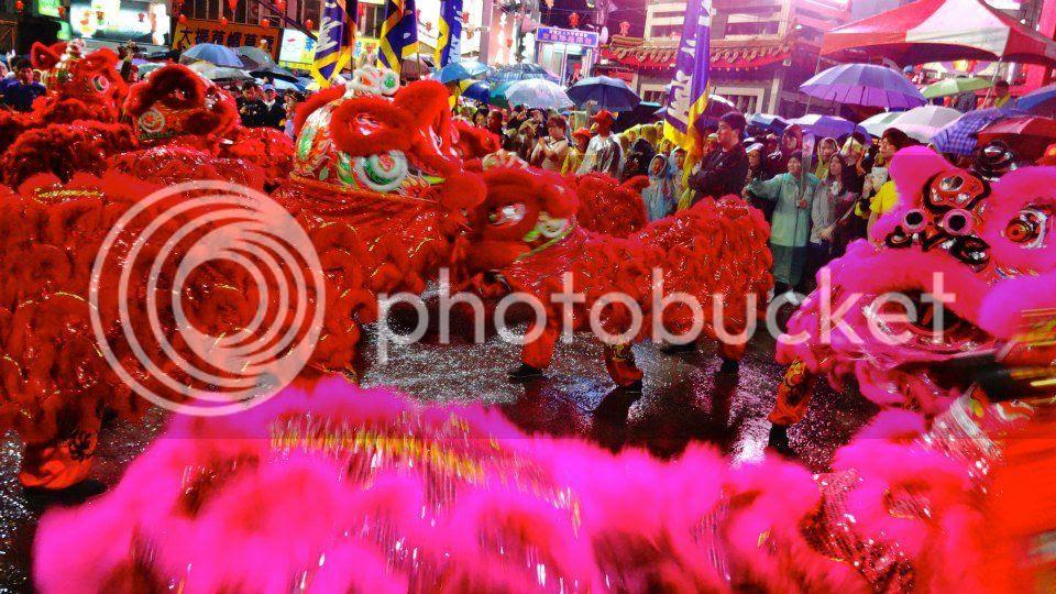 massive lion dance photo 385916_10151630123486202_1659432428_n.jpg