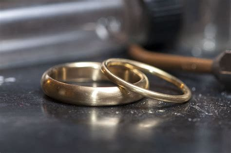 Simple Bands ? New York Wedding Ring