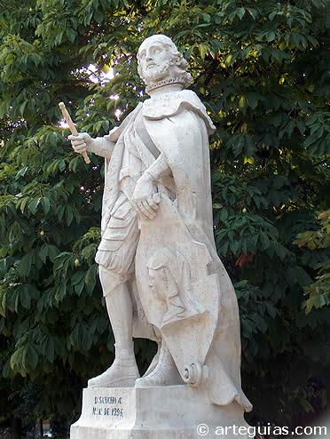 Estatua de Sancho IV en el Parque del Retiro de Madrid