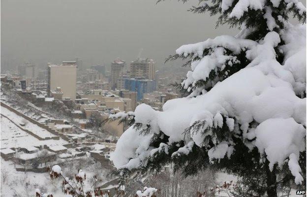 Snow in Tehran, Iran (3 Feb 2014)