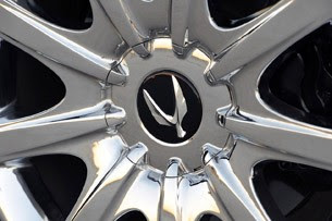 2011 Hyundai Equus Ultimate wheel detail