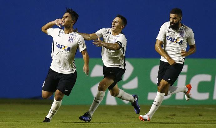 Fabrício Oya Corinthians x Internacional (Foto: Futura Press)
