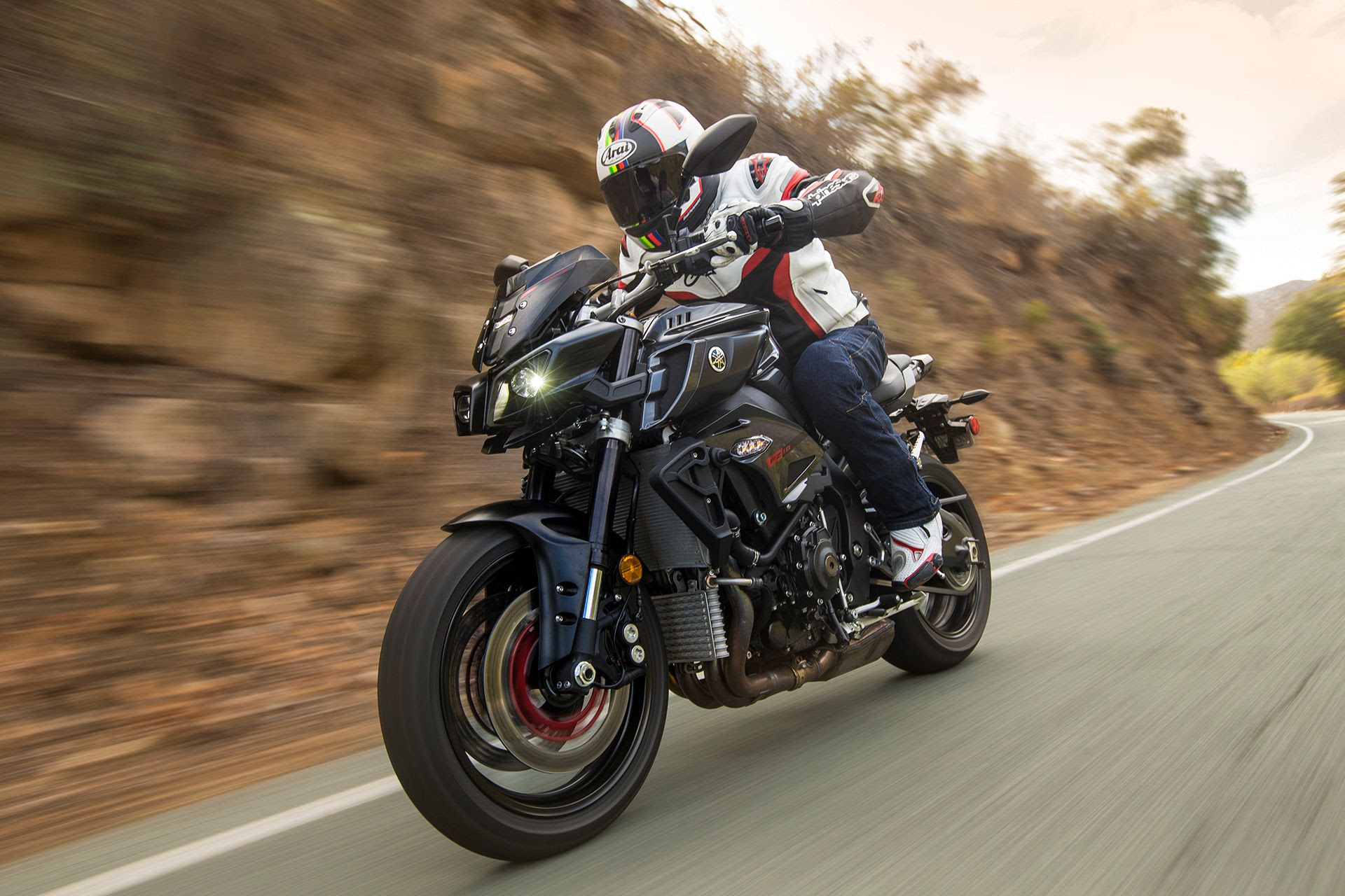2017 Yamaha Fz 10 Naked Bike Road Test Review Cycle World
