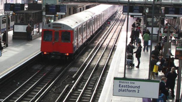 Tube train in Earl's Court