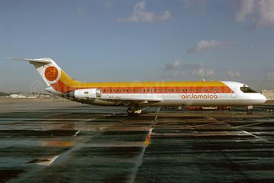 Air Jamaica McDonnell Douglas DC-9-32 6Y-JIJ (msn 47639) MIA (Bruce Drum). Image: 102905.
