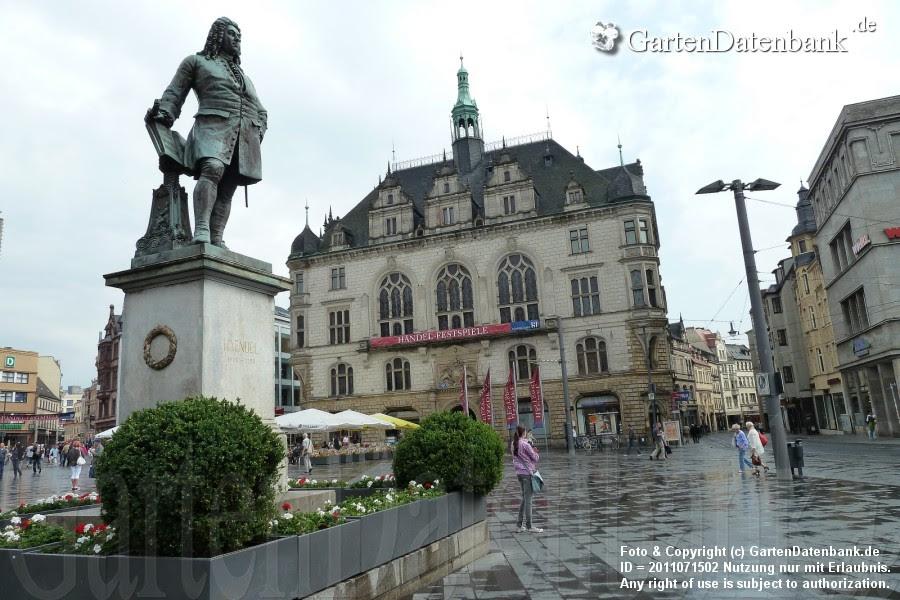 Händeldenkmal auf dem Marktplatz