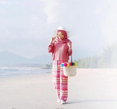 Tampilan Gaya Kasual di Kantor Dengan Hijab Kimono ...