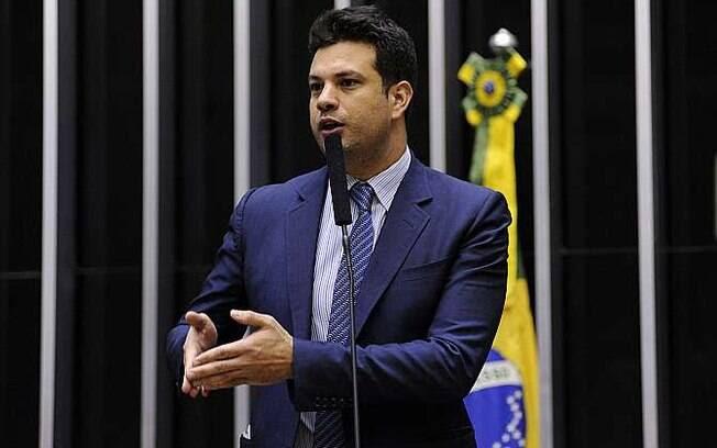 Dep. Leonardo Picciani deu parecer favorável ao projeto, que será analisado agora pelo Senado