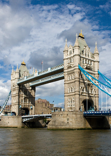 Tower Bridge, London, England, by jmhdezhdez