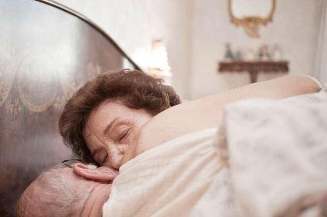 Idosa de 91 anos de idade morre sufocada durante brincadeira sexual