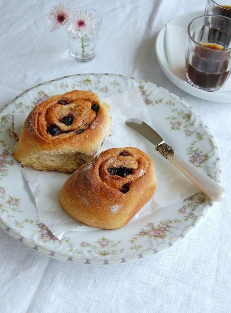 Spiced blueberry rolls / Pãezinhos de mirtilo e canela