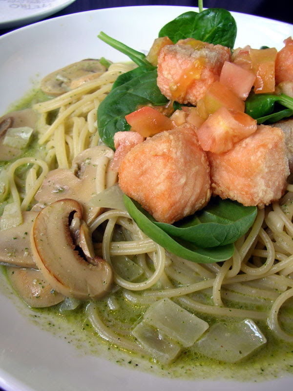 pietro's salmon spaghetti with spinach and basil cream sauce
