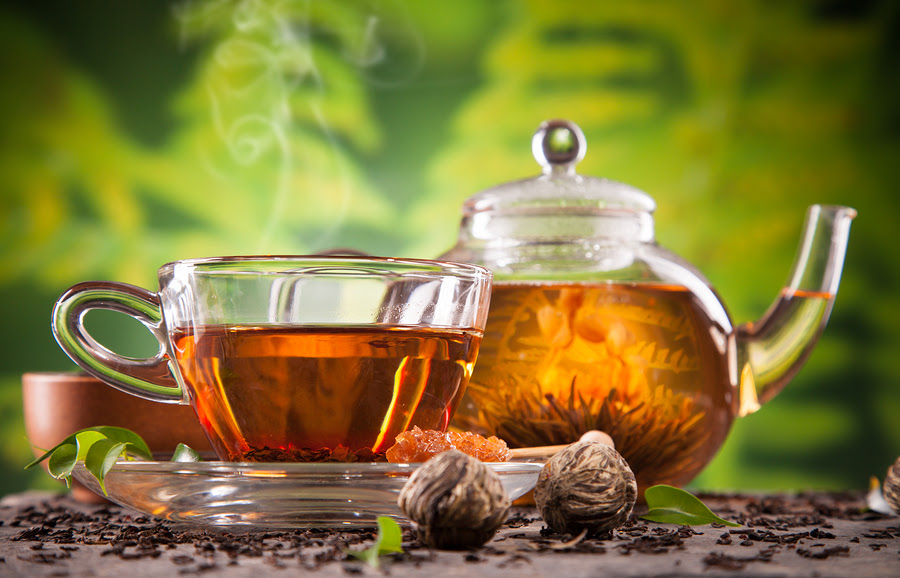 http://www.healthista.com/wp-content/uploads/2014/01/bigstock-Cup-of-tea-and-teapot-with-blo-52310662.jpg