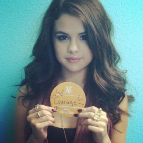 @selenagomez :I'm proud to be a Citizen of Hope! Join me in the fight against cancer, diabetes & HIV/AIDS and become a Citizen of Hope atwww.cityofhope.org/citizen