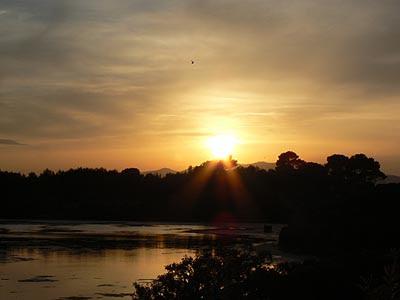 coucher de soleil sur l'étang du Batéguier.jpg