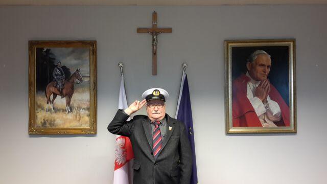 Lech Wałęsa pochwalił się prezentem od kapitanów żeglugi wielkiej