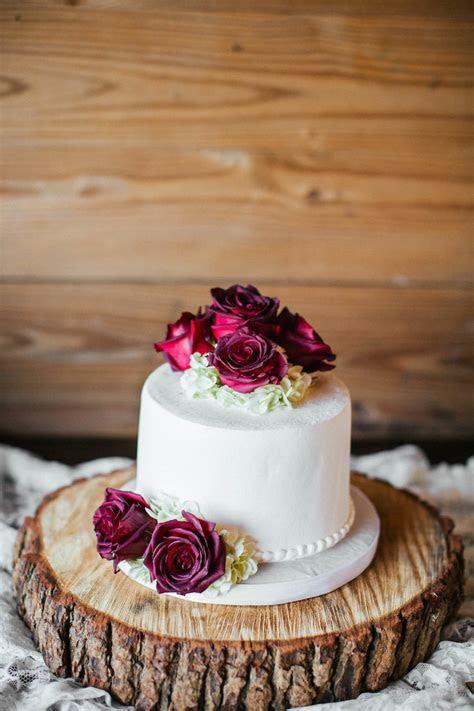 Round Single Tier Wedding Cake with Burgundy Roses on