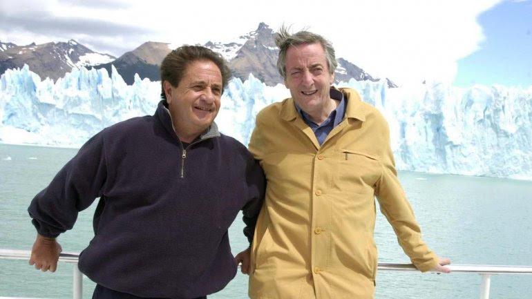 Eduardo Duhalde y Néstor Kirchner, cuando aún posaban juntos para la foto