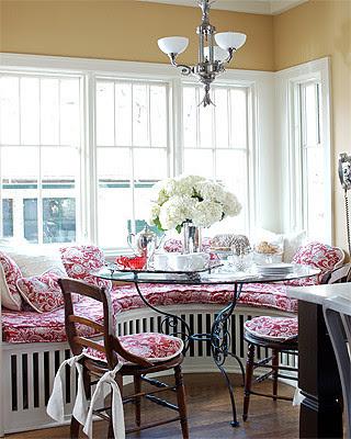 ktichen window seat_elle decor