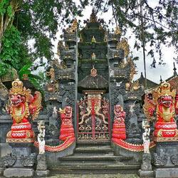 Gapura Bali Dengan Paduan Warna Yang Serasi Kumpulan Artikel