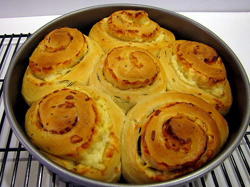 Cheese Buns With Chives
